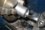 Растачивание отверстия на токарном станке