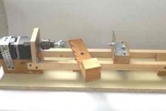 Самодельный токарный станок с деревянной станиной