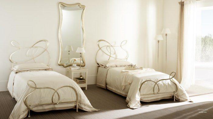 Кованые белые односпальные кровати придадут легкость и нежность вашему интерьеру