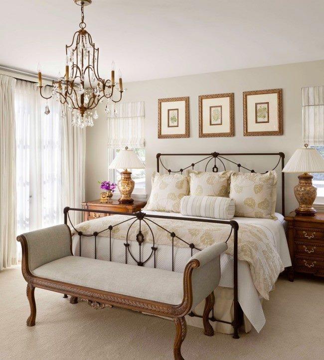 Стиль кованой кровати прованс великолепно подчеркивает роскошный интерьер спальни