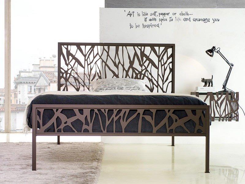 """Стильная кованая кровать с орнаментом """"Бамбук"""""""