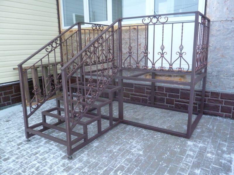 Каркас кованой лестницы для вашего дома