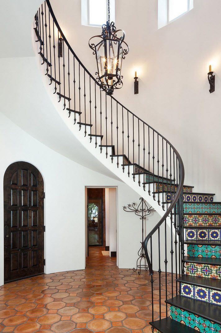 Классический стиль перил подчеркнет статус и комфорт вашего жилища