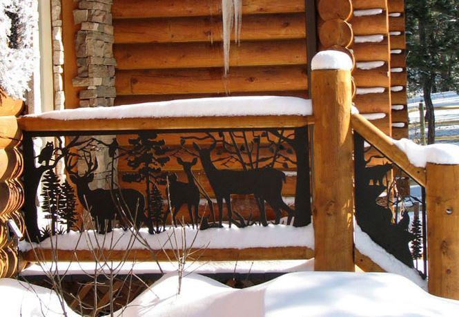 """Деревянные перила с коваными элементами """"Звери"""" дополнят образ загородного домика"""