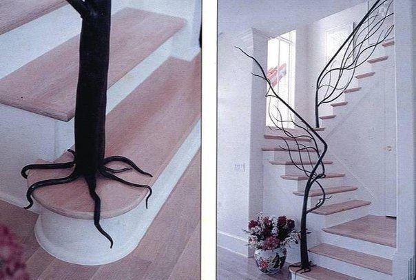 Металлические кованые перила для лестницы в виде дерева