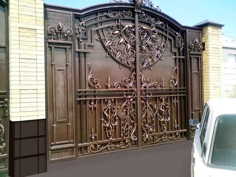 Ворота из металла кованые для частного дома