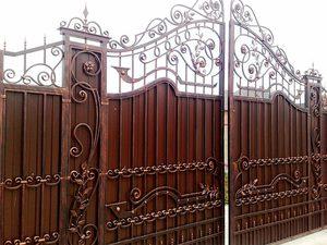 Невероятно красивый забор с металлопрофилем