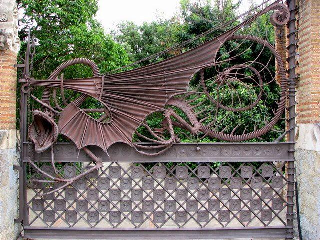 Исключительно эксклюзивный забор в стиле арт-деко