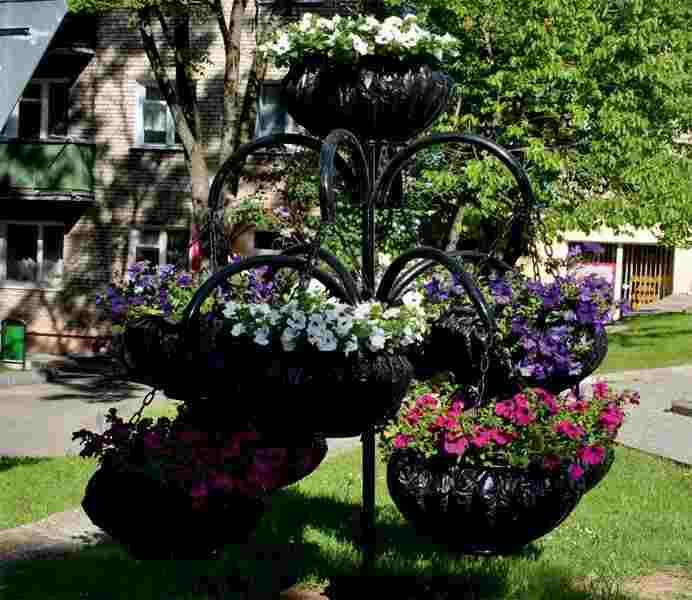 Уличные кованые арки для цветов с кашпо