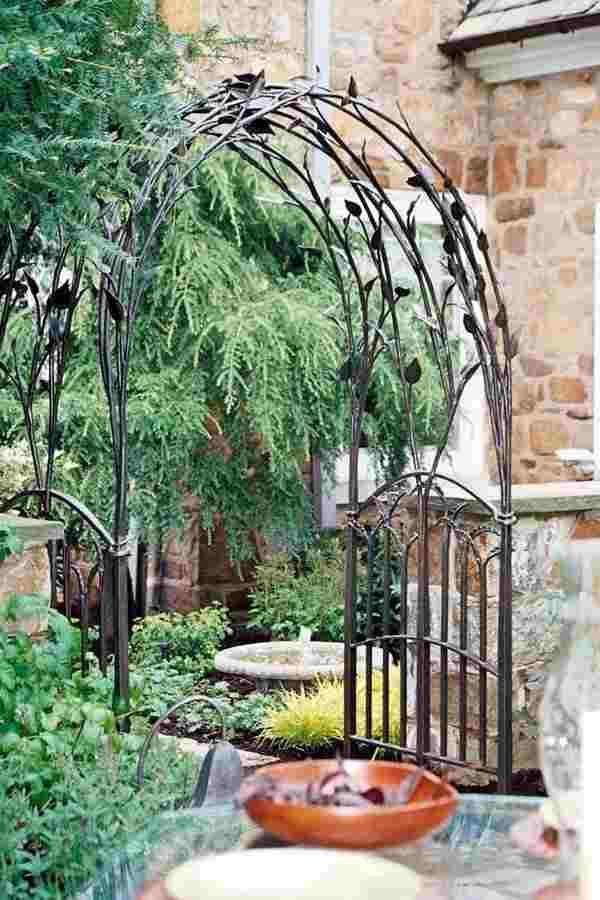 Садовые кованые арки для цветов на улицу