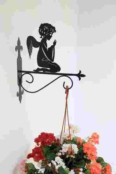 Подвесной кованый держатель для цветов