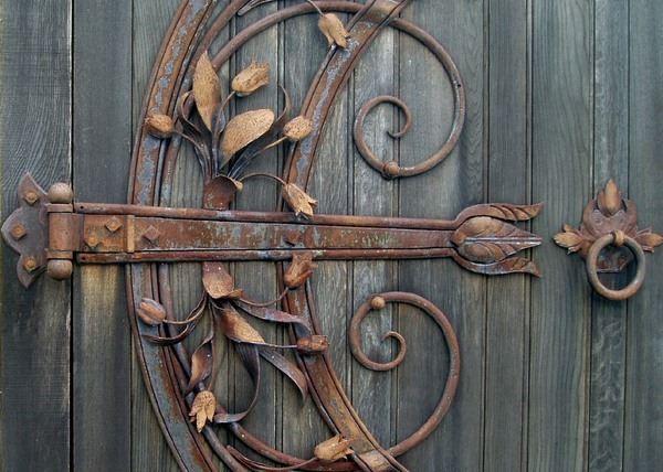 Кованое кольцо на дверь и другие кованые элементы