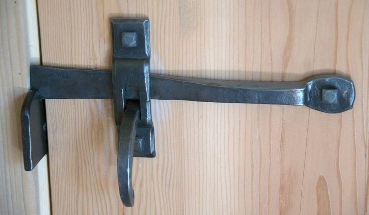 Кованые задвижки на двери