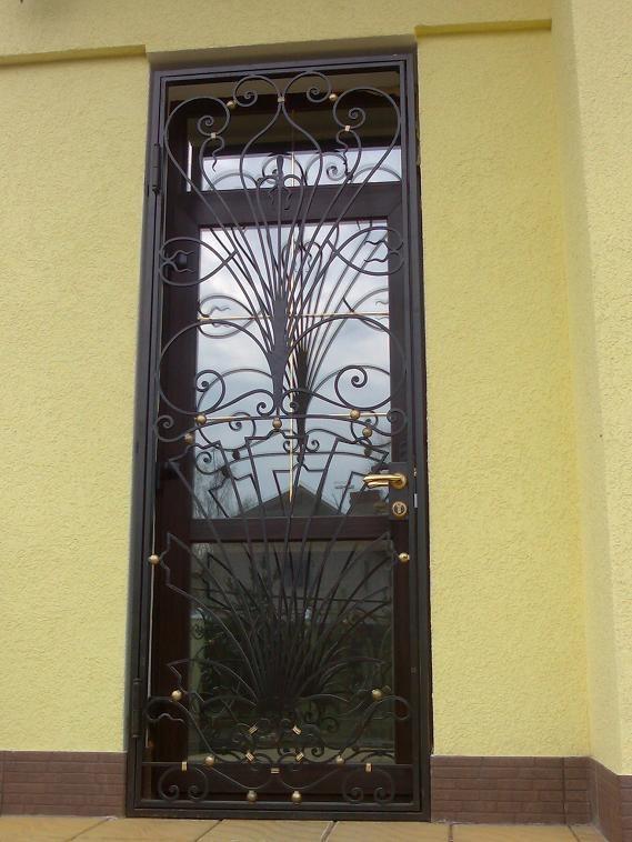 Кованые металлические двери решетки