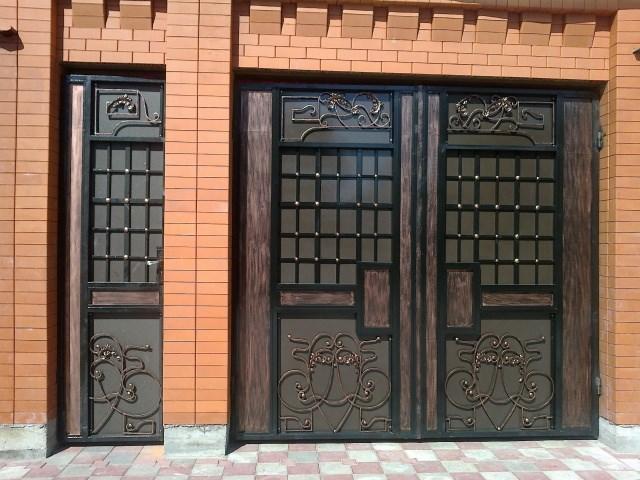 Двери и ворота кованые для гаража