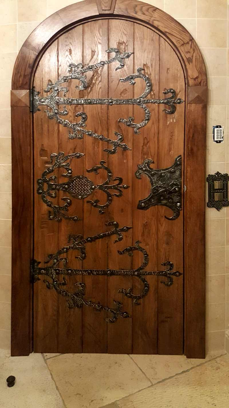 Удивительные кованые накладки на двери