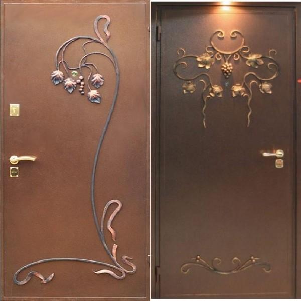 Необычные кованые элементы для дверей