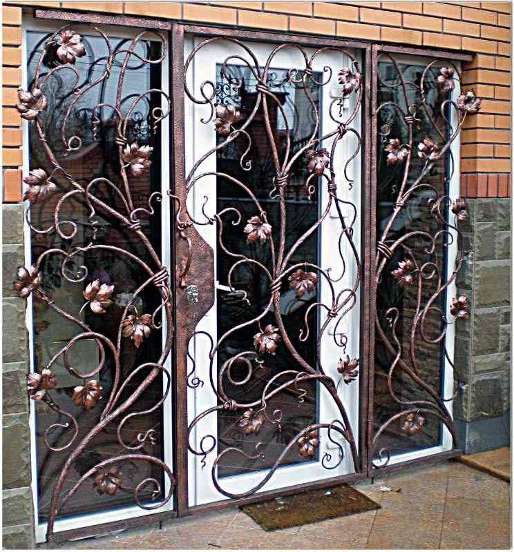 Кованый рисунок на дверь
