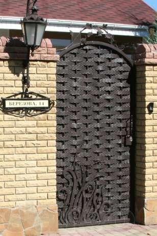 Оригинальная кованая дверь по индивидуальному заказу