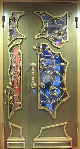 Модные двери входные кованые