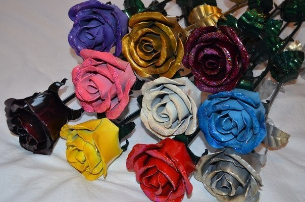 Букет кованых разноцветных роз
