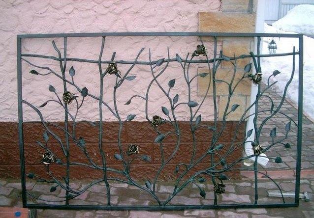 Кованые ворота с розами