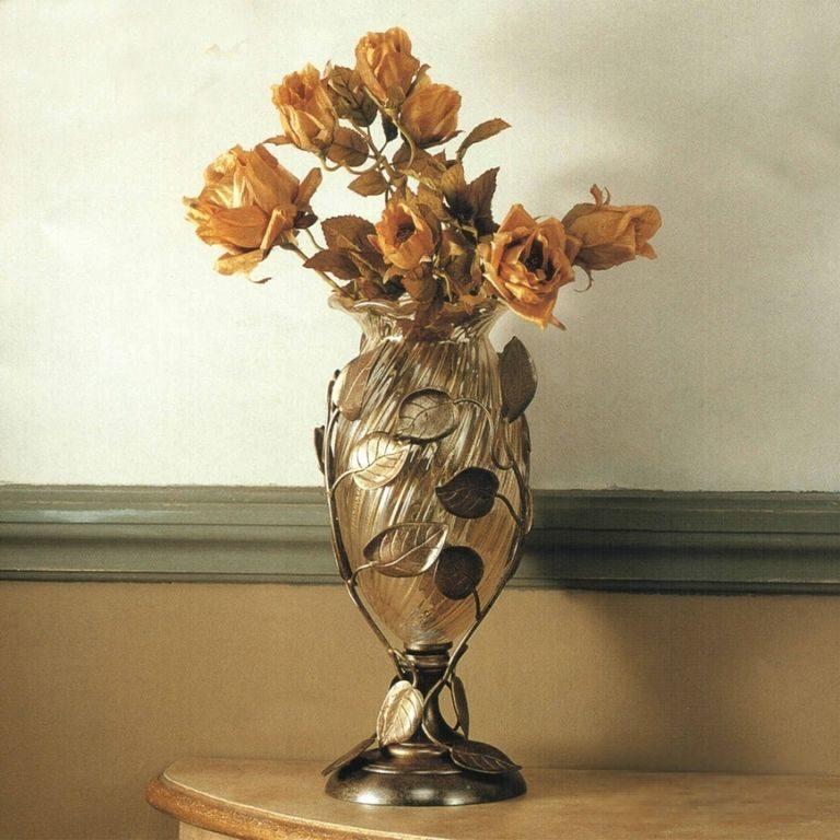 Кованая роза подсвечник в стиле модерн