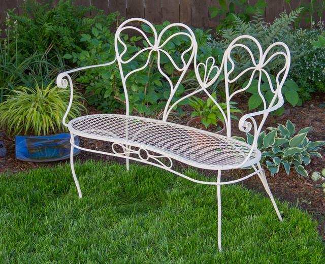 Кованая скамейка в стиле прованс для сада