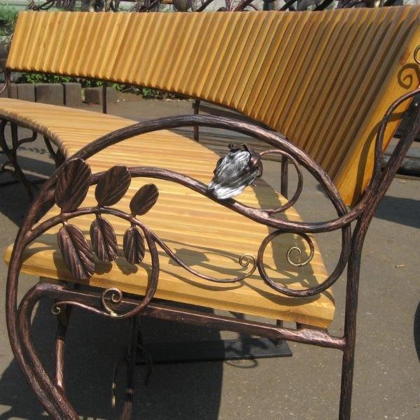 Красивые кованые боковины для скамейки