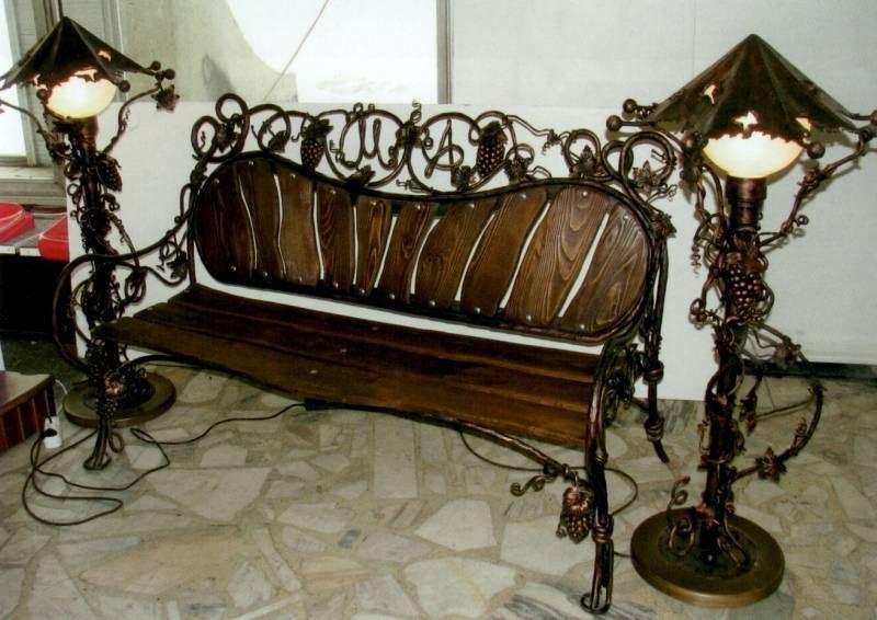 Кованые элементы для скамейки - украшение любого интерьера