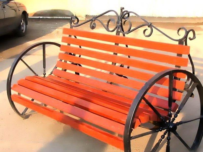 Кованые элементы колеса для скамейки