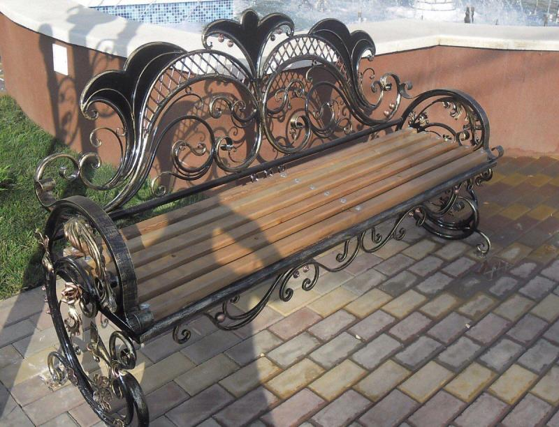 Эксклюзивная кованая скамейка