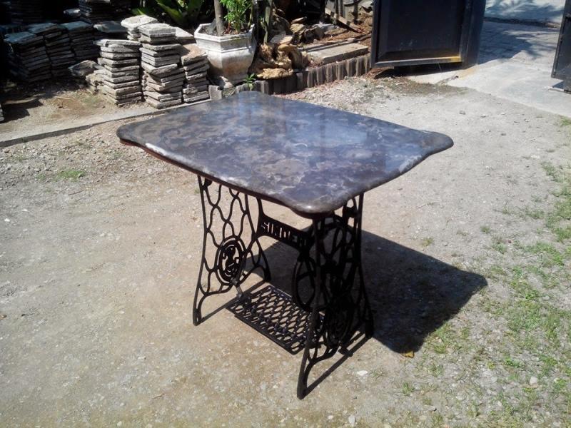 Кованый журнальный стол в стиле лофт