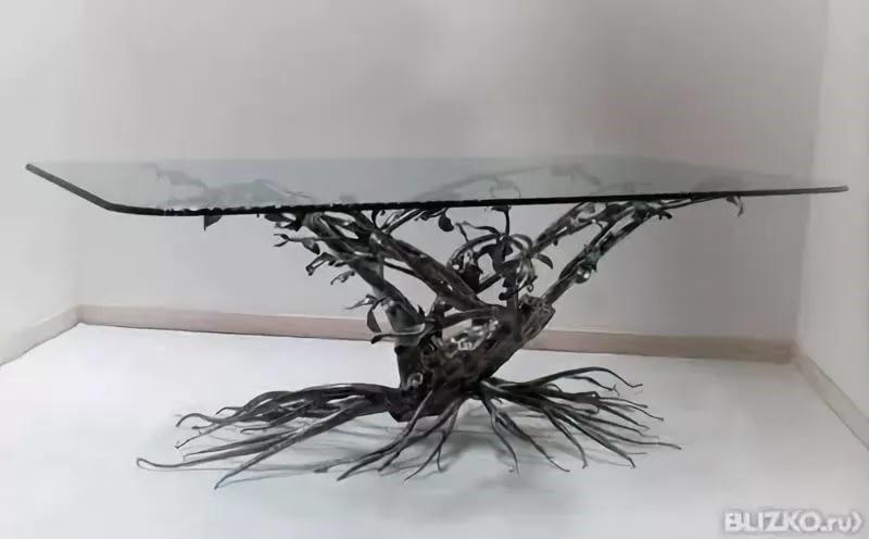 Эксклюзивный кованый стол со стеклом