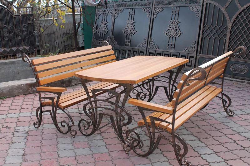 Уличные лавки и столы кованые
