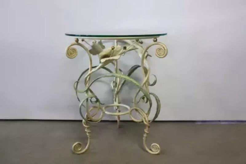 Подстолье кованое цветами для круглого стола