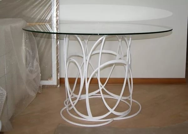 Стол кованый белый