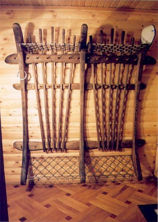 Вешалки кованые для передней в стиле кантри с деревом