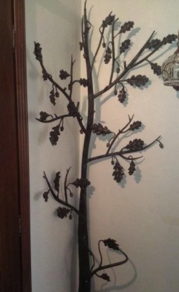 Кованое дерево вешалка угловая