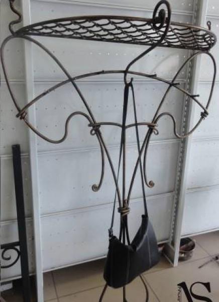 Кованая вешалка в стиле барокко