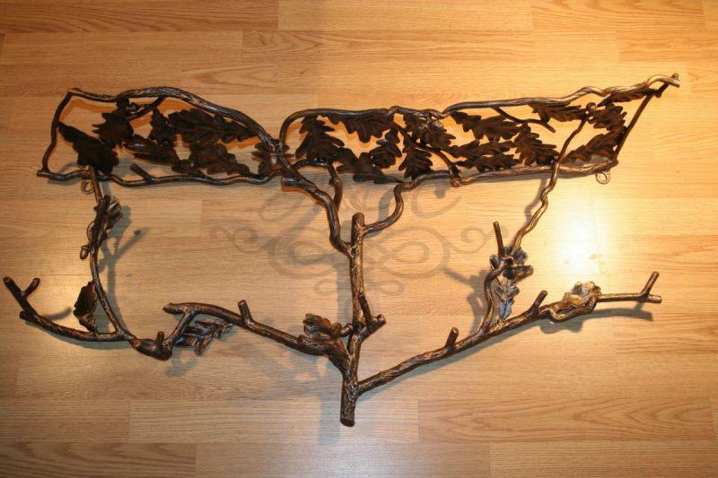 Настенная вешалка кованая крона дуба
