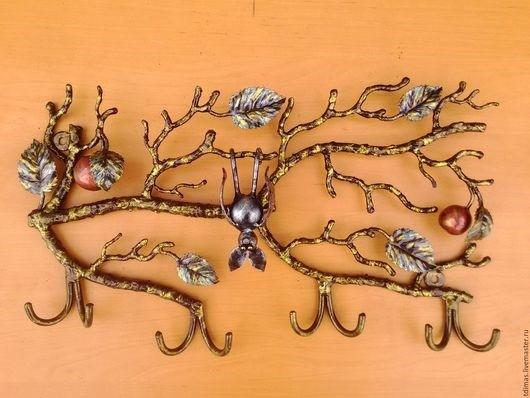 Настенное кованое дерево вешалка