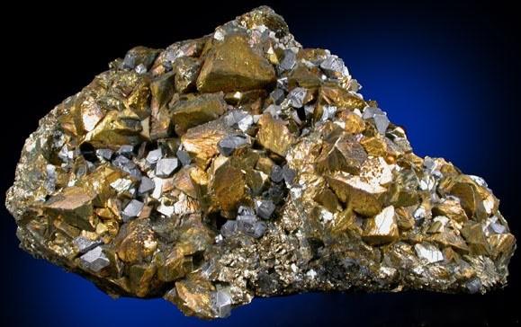Внешний вид медной руды