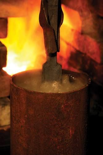 Процесс охлаждения заготовки при горячей ковки