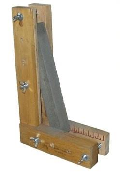 Простейшее приспособление для заточки ножей
