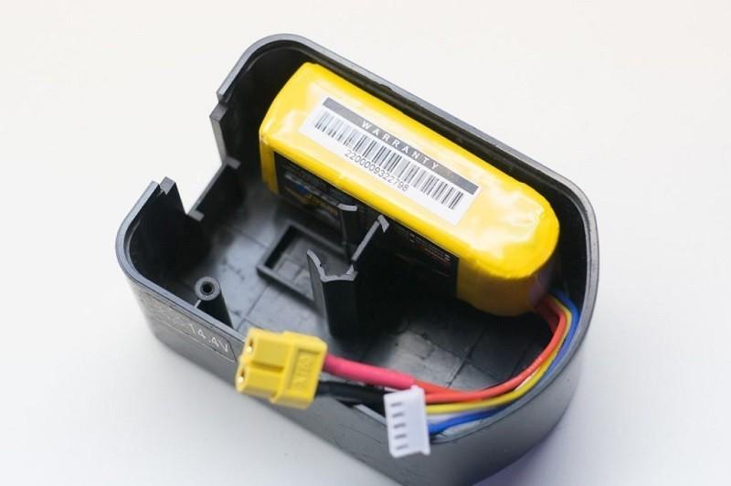 Монтаж готового блока питания в корпусе старого аккумулятора