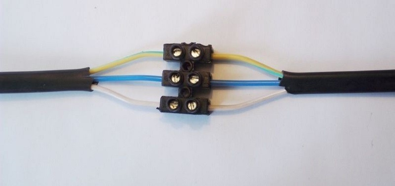 Соединение проводов клеммниками