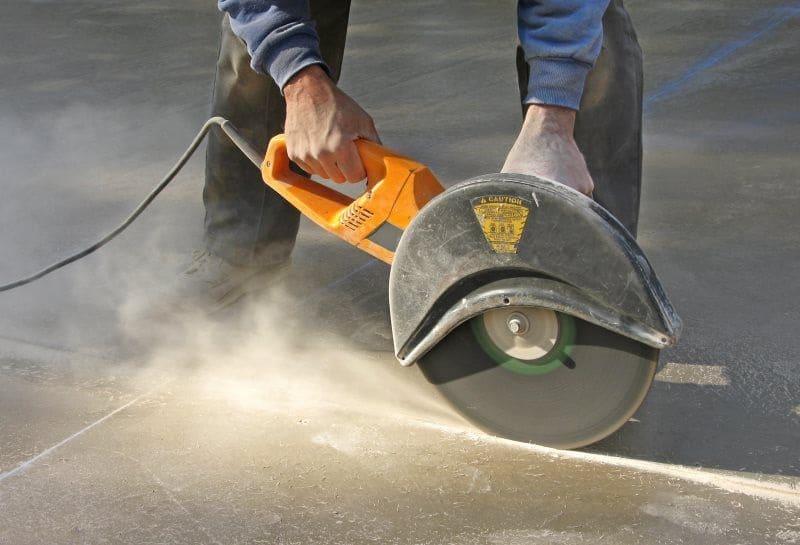 Распил бетона болгаркой