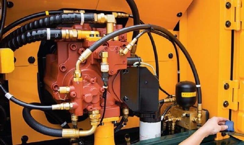 Масло индустриального типа как рабочая жидкость в гидравлических системах