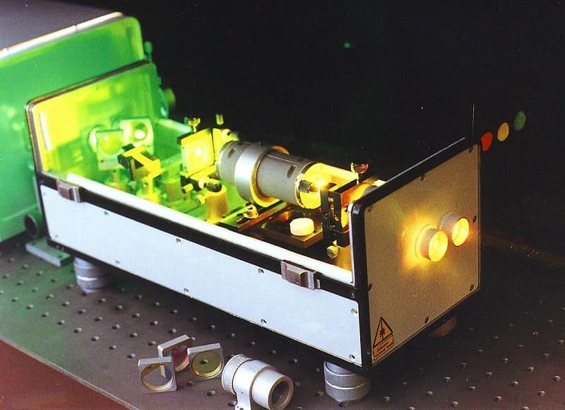 Твердотельный лазер